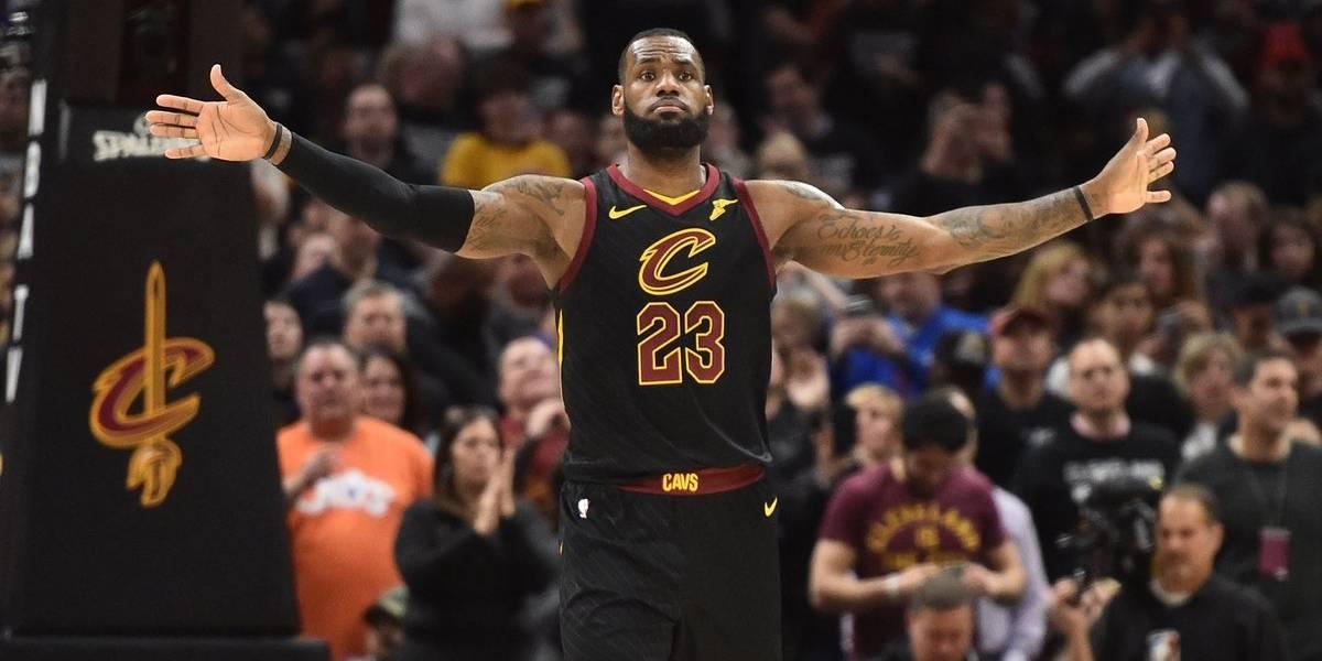 LeBron James escribió otra página de leyenda para salvar a Cleveland en los playoffs de la NBA