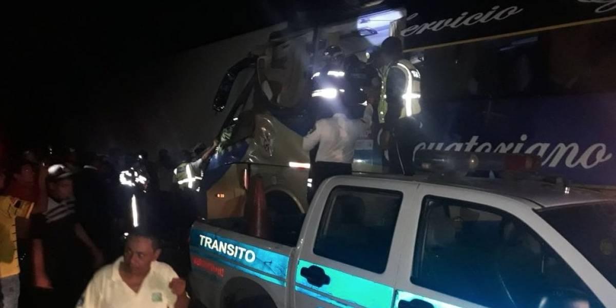 Dos muertos y 14 heridos en accidente de tránsito en Yaguachi