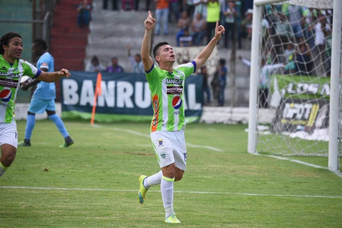 Así celebró su anotación el argentino Fabián Castillo