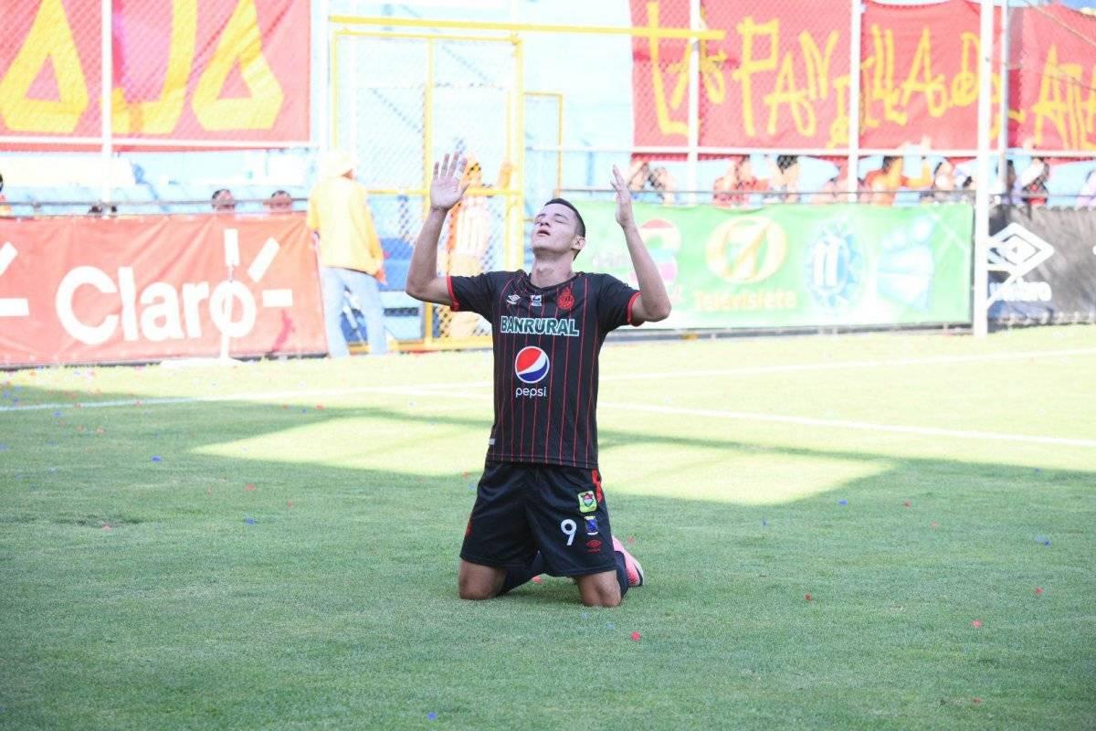 Martínez agradece al creador por su gol