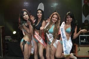 Chica Hooters Guatemala 2018.