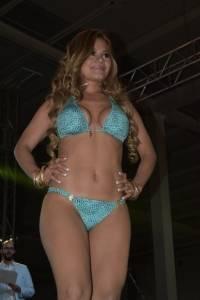 Chica Hooters Guatemala 2018