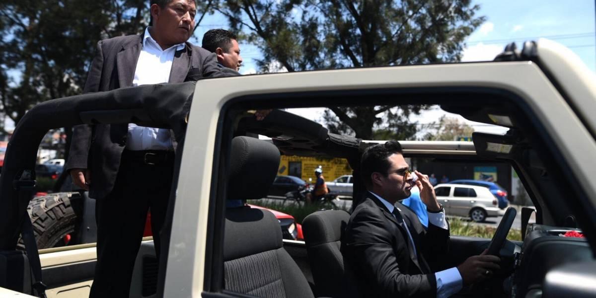 Neto Bran, alcalde de Mixco, rinde homenaje al expresidente Arzú en la Roosevelt