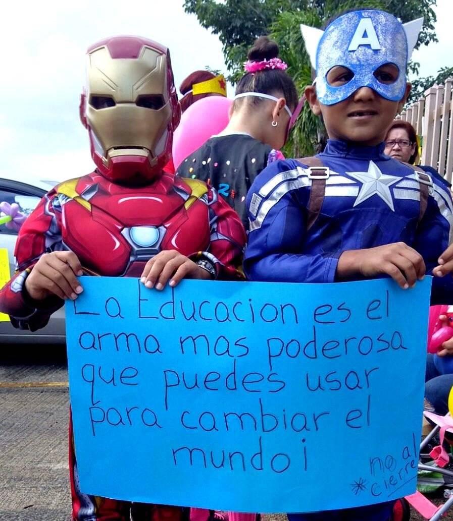 protesta escuela Cayey