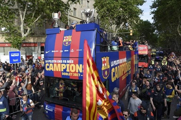 Barcelona celebra sus títulos
