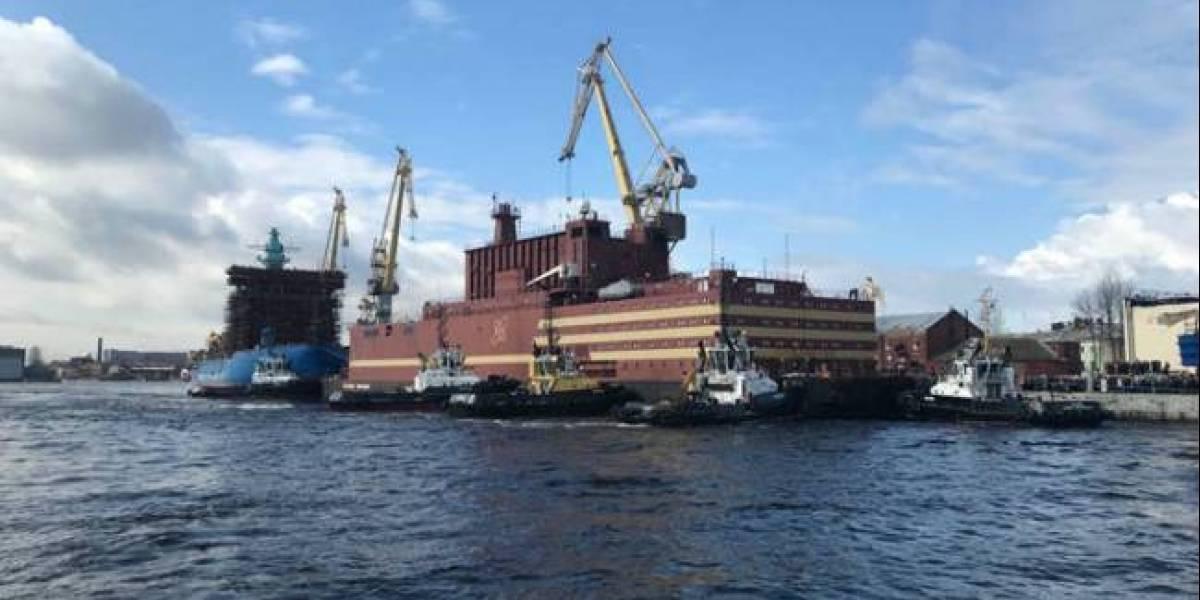 """""""El Titanic nuclear"""": Rusia inaugura primera central nuclear flotante del mundo"""