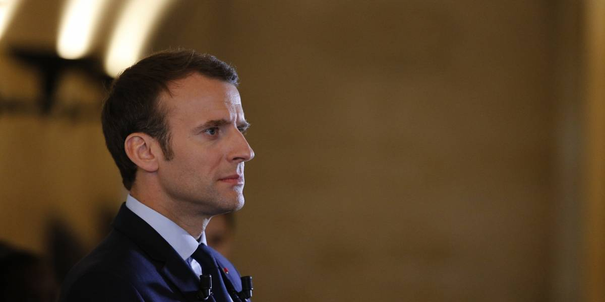 Irán no debe poseer armas nucleares: Macron