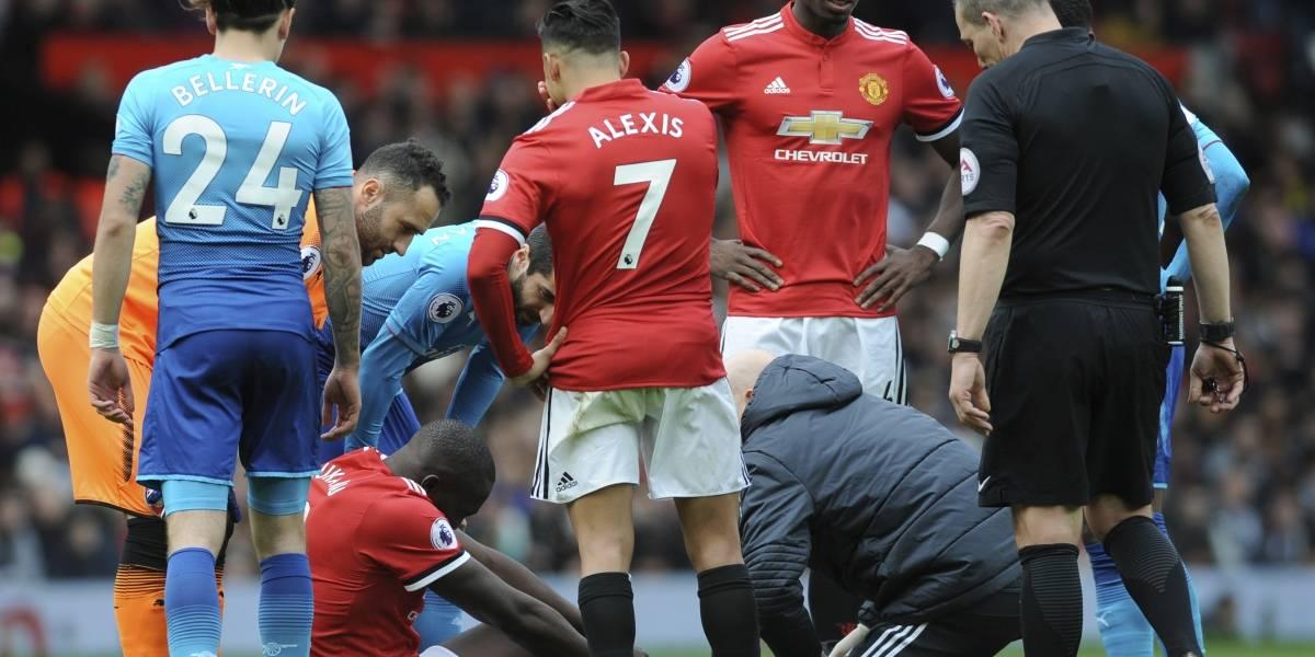 """""""Es un caballero puro"""": la bipolar prensa inglesa elogia al """"hijo"""" Alexis por saludar a su """"padre"""" Wenger"""
