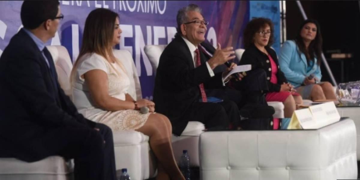 Aspirantes a fiscal general presentan su plan de trabajo al presidente Morales