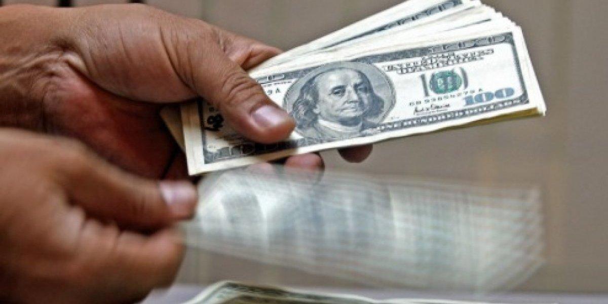 Es el alza más fuerte desde diciembre: Dólar estadounidense sube a $613