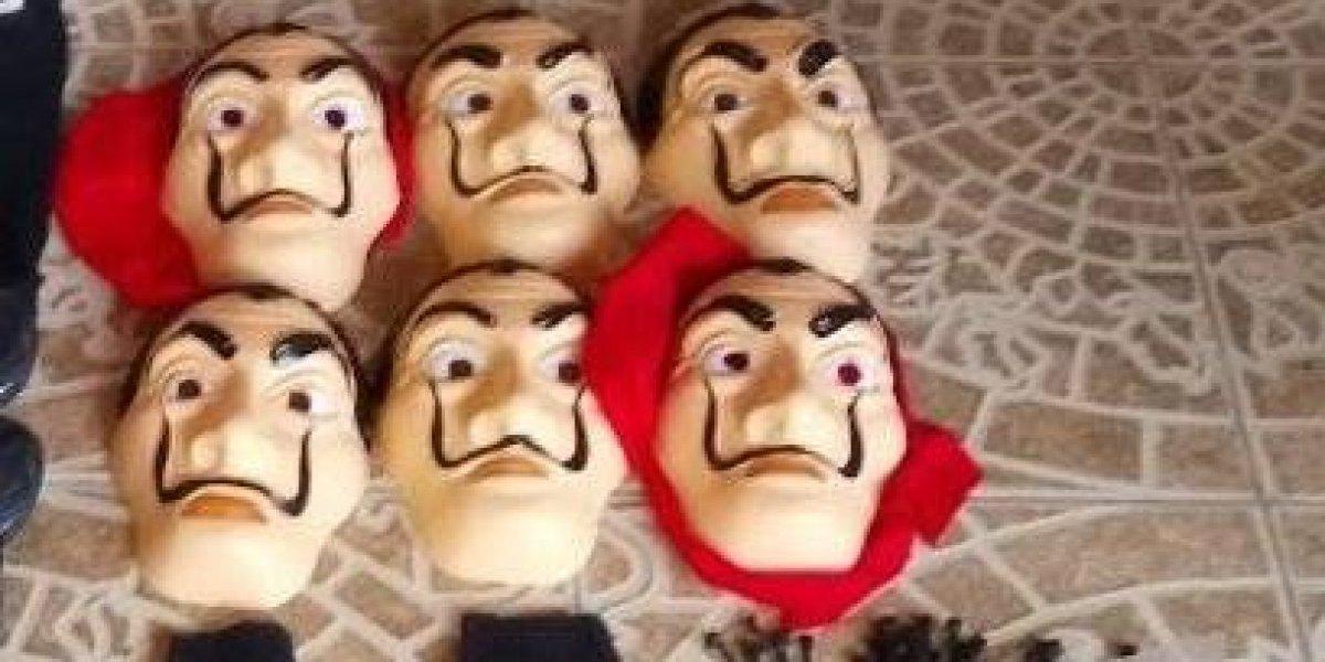 """Detienen en Argentina a banda que asaltaba con máscaras de la serie """"La Casa de Papel"""""""