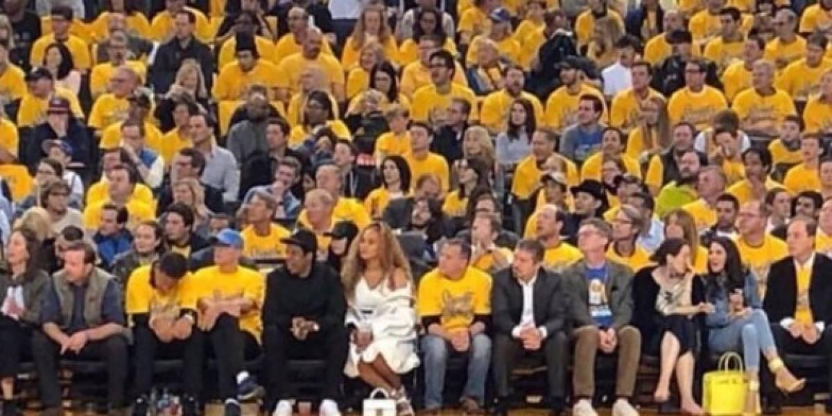 Beyoncé e Jay-Z acompanham jogo da NBA; veja fotos