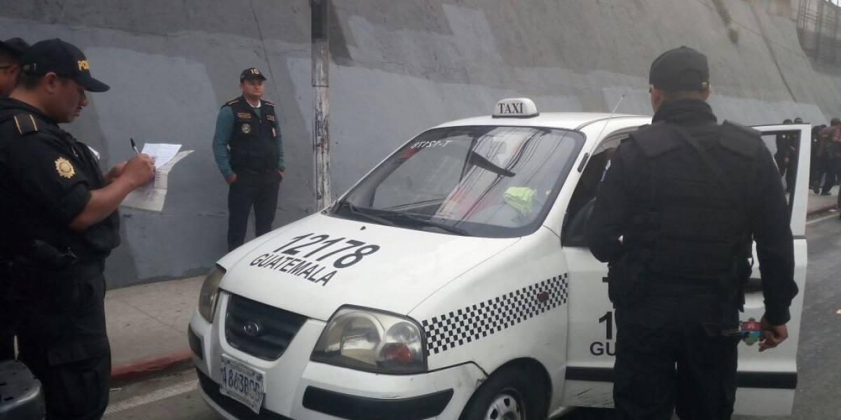 PNC realiza operativos de verificación de motociclistas y taxistas