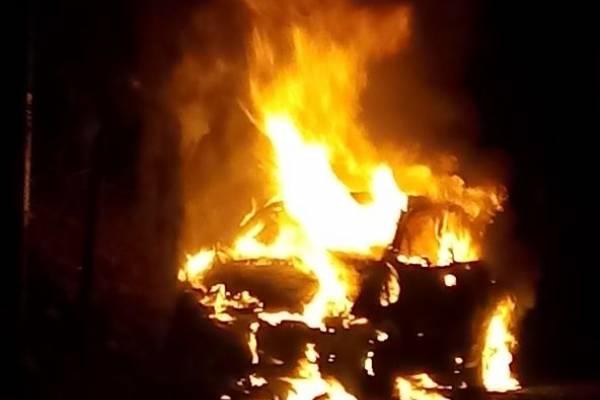 Taxi incendiado Robledo