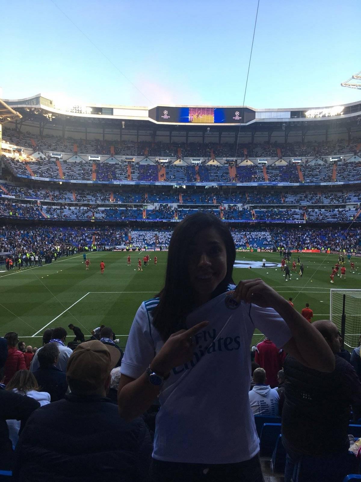 La delantera guatemalteca mostró su amor por el Real Madrid.
