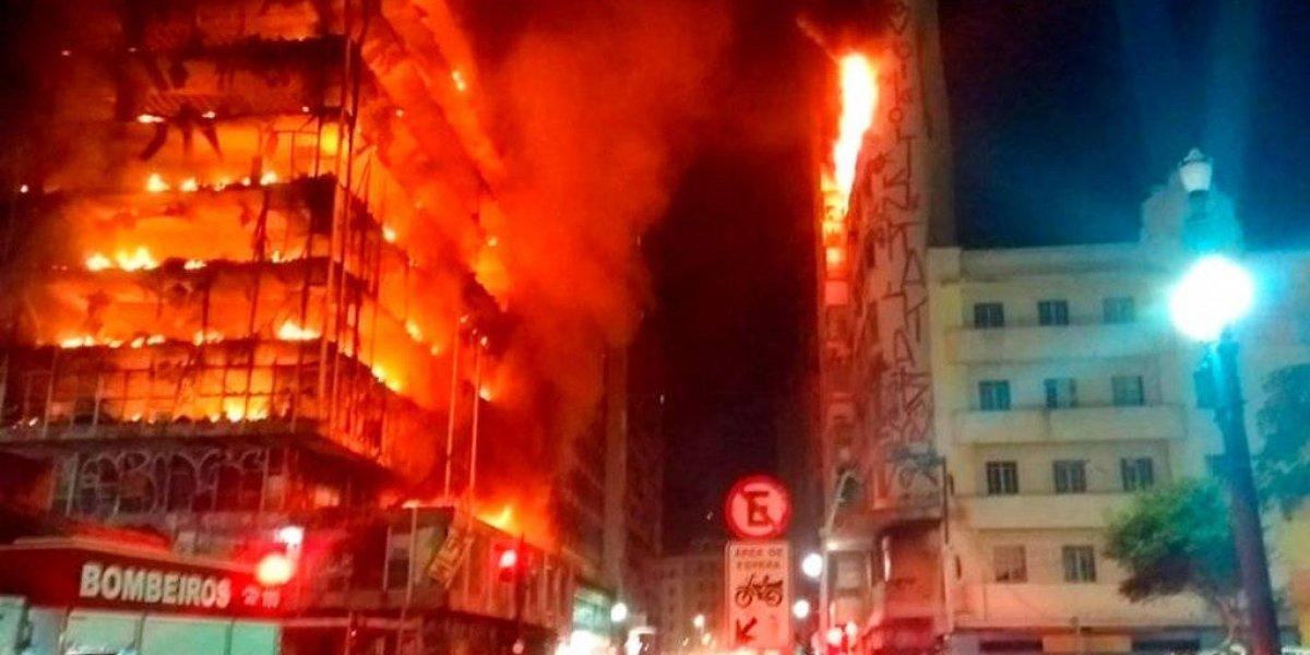 Colapsa edificio en llamas en Sao Paulo