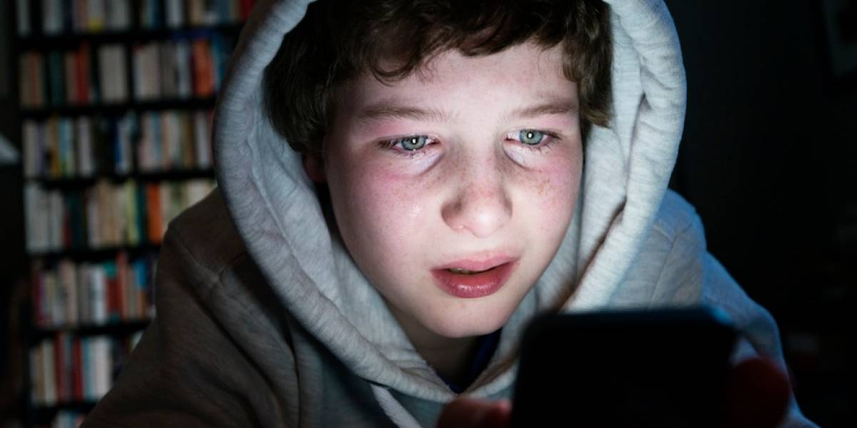 Víctimas de ciberbullying son dos veces más propensas a autolesionarse