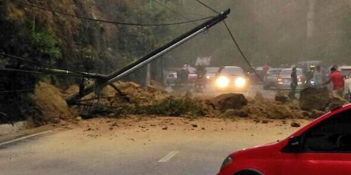 VIDEO. Deslizamiento de tierra en ruta hacia Villa Hermosa provoca daños