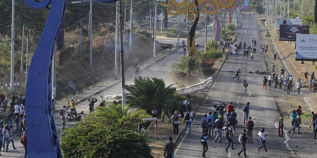 """Los """"árboles de la vida"""" caen en Managua"""
