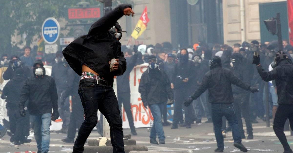 Na França, o Dia do Trabalho foi marcado por protestos REUTERS/Philippe Wojazer