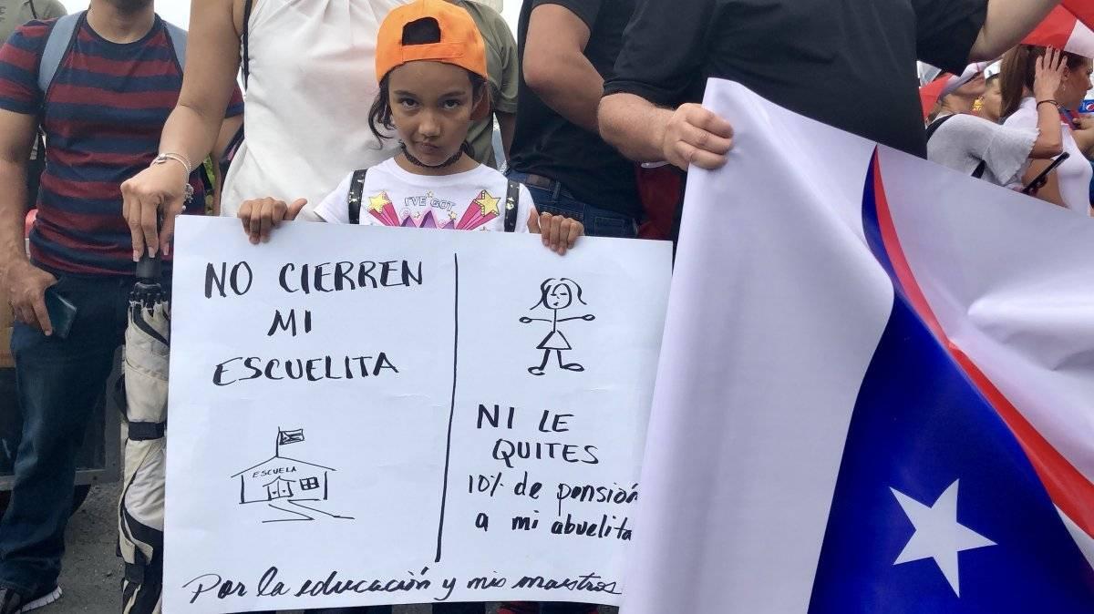Desde tempranas horas de la mañana de hoy, 1 de mayo, manifestantes de diversas organizaciones comenzaron a llegar hasta el Puente Dos Hermanos en San Juan para marchar hacia el Capitolio de Puerto Rico, como parte de las protestas del Día Internacional de los Trabajadores. / Foto: David Cordero Mercado