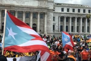 Manifestantes de distintos sindicatos llegaron hasta el lado norte del Capitolio, como parte de las manifestaciones del 1 de mayo. / Foto: David Cordero Mercado