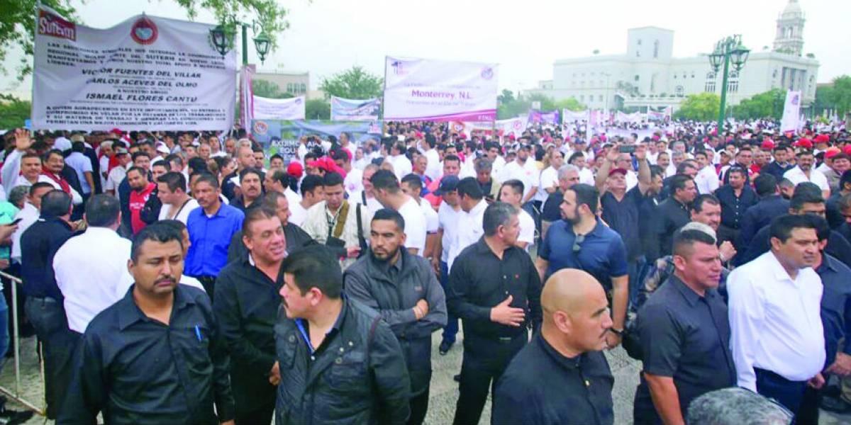 Reprochan a los políticos de Nuevo León abandono en busca de cargo