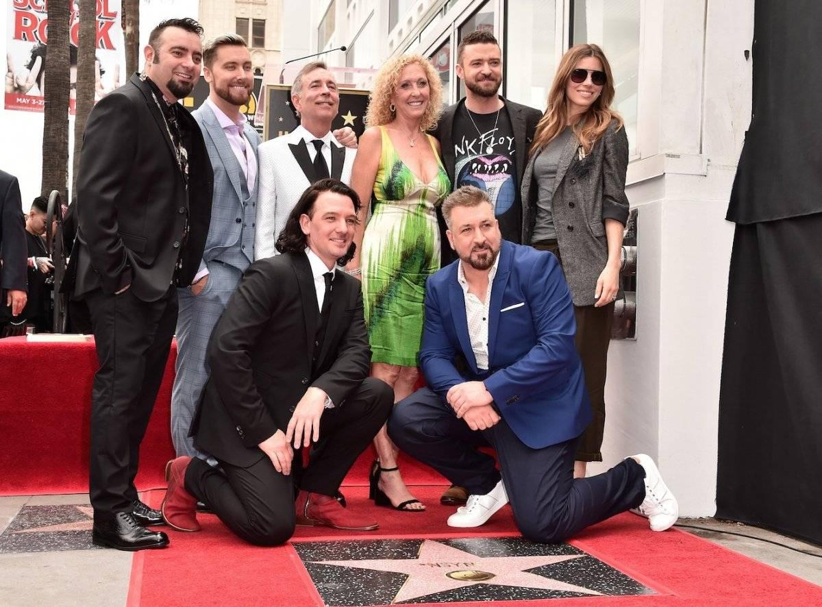 Lance Bass, JC Chasez, Joey Fatone, Justin Timberlake y Chris Kirkpatrick participaron en la ceremonia que honró a NSYNC con una estrella en Hollywood.
