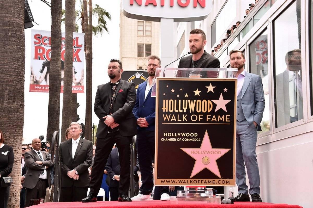 Lance Bass, JC Chasez, Joey Fatone, Justin Timberlake y Chris Kirkpatrick participaron en la ceremonia que honró a NSYNC con una estrella en Hollywood. Foto: AFP