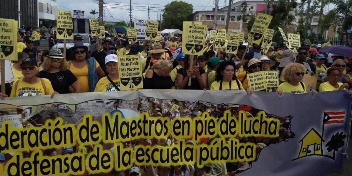 Convocan nueva manifestación contra cierre escuelas