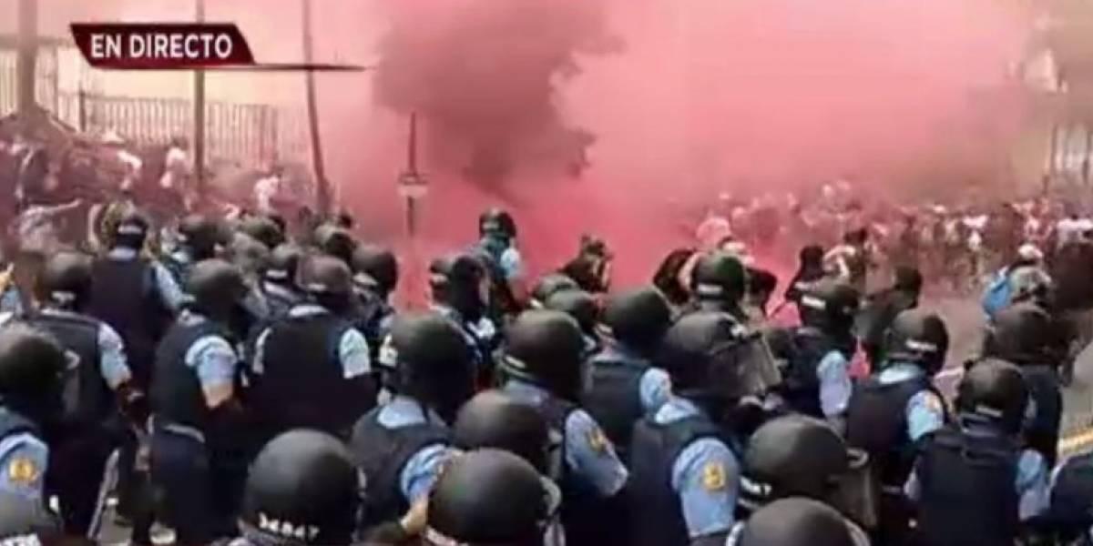 Choque entre Policías y manifestantes en la Milla de Oro