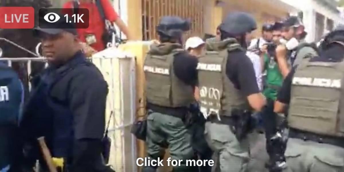 Policía arresta dos manifestantes en Río Piedras