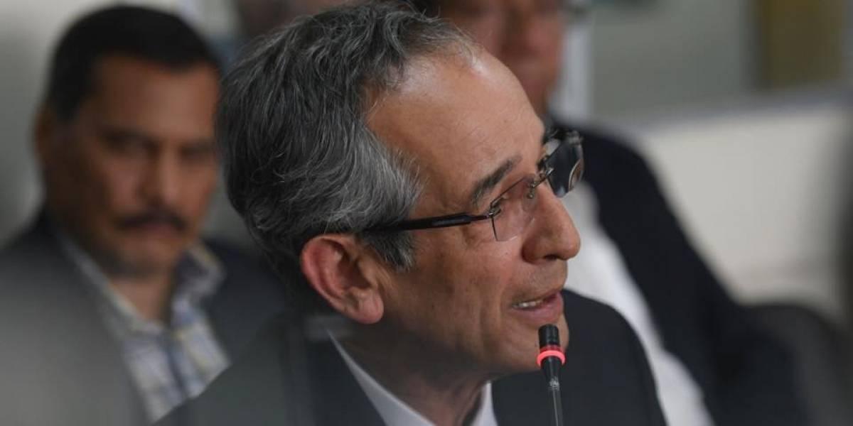 Expresidente Álvaro Colom presenta acción para cerrar el proceso en su contra