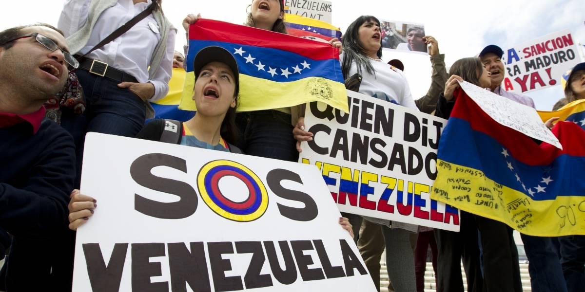 """Qué te alcanzaría en Chile con el salario mínimo que impuso Maduro: """"Ni para dos kilos de pan"""""""