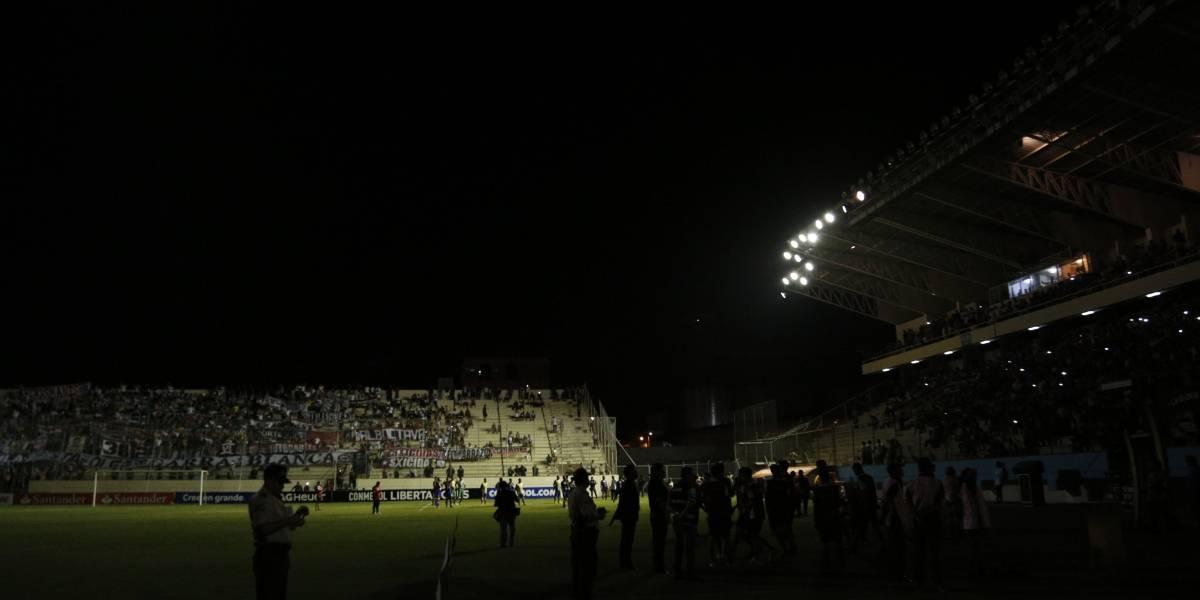 Copa Libertadores: Aníbal Mosa, dirigente de Colo Colo, arremete con el estadio Jocay de Manta