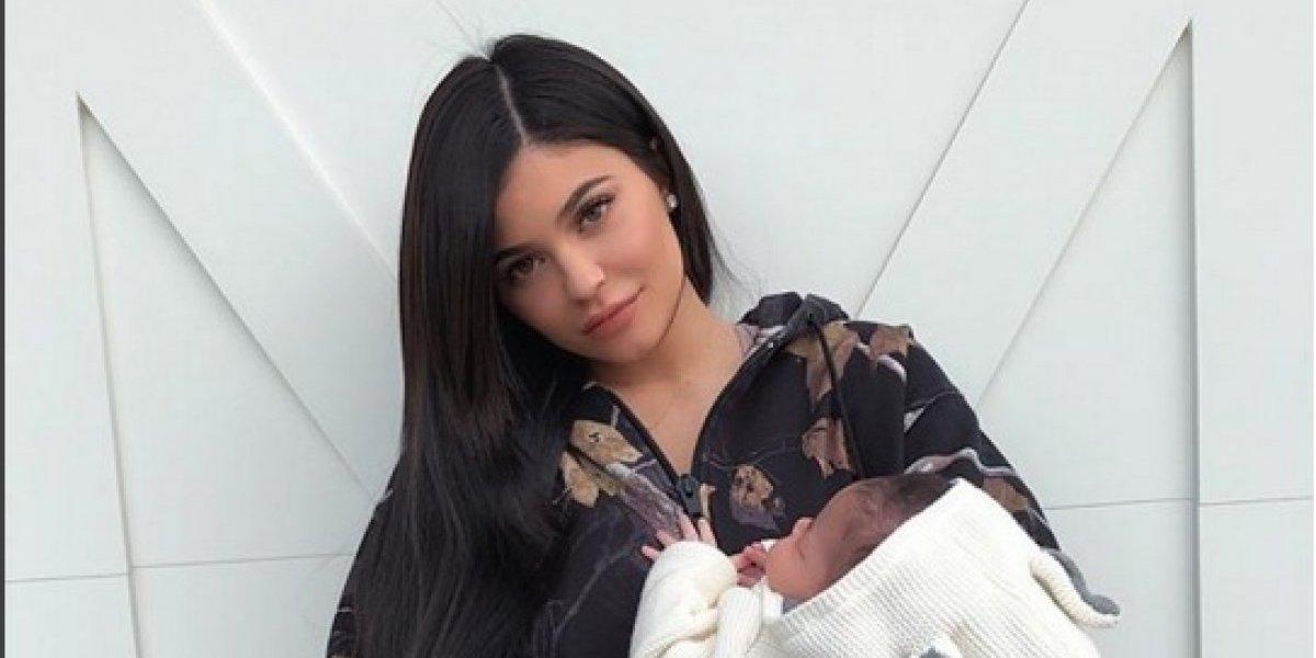Kim Kardashian entrevista a Kylie Jenner para hablar sobre su experiencia como mamá