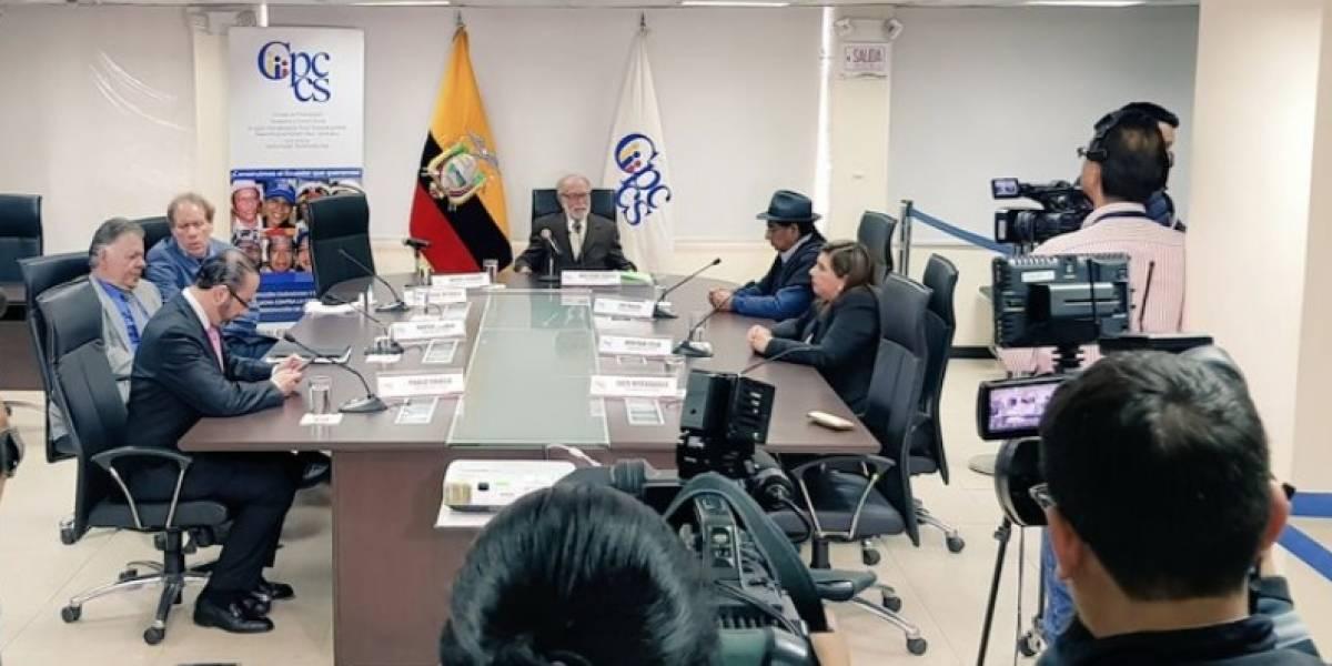 Por unanimidad, el Consejo Transitorio cesa a César Rivadeneira como Defensor del Pueblo