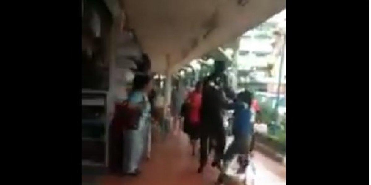 Video: Policía Metropolitano agrede a comerciantes informales