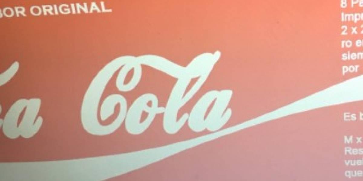 """""""Él es el maldito jefe!!!"""": hizo un torpedo en photoshop y lo pegó en la etiqueta de una Coca-Cola"""