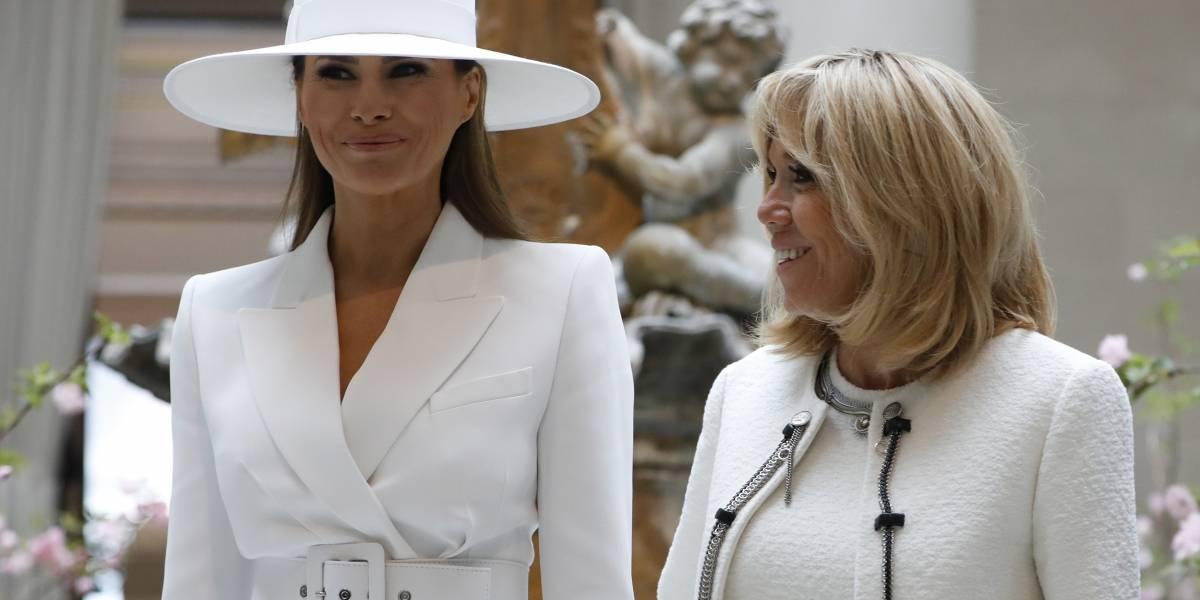 """""""Ni siquiera puede abrir una ventana en la Casa Blanca"""": Brigitte Macron se compadece de que Melania viva recluída"""
