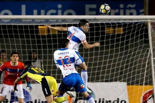 Cristián Álvarez jugó su primer partido oficial en la era Beñat San José ante San Luis en Quillota / Foto: Photosport