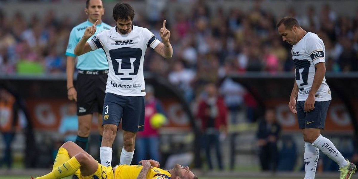 Frustrados, Alejandro Arribas y Marcelo Díaz se encaran durante el Pumas vs América