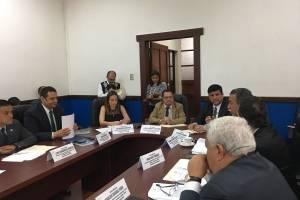 reunión de comisión que analiza delito de financiamiento electoral ilícito