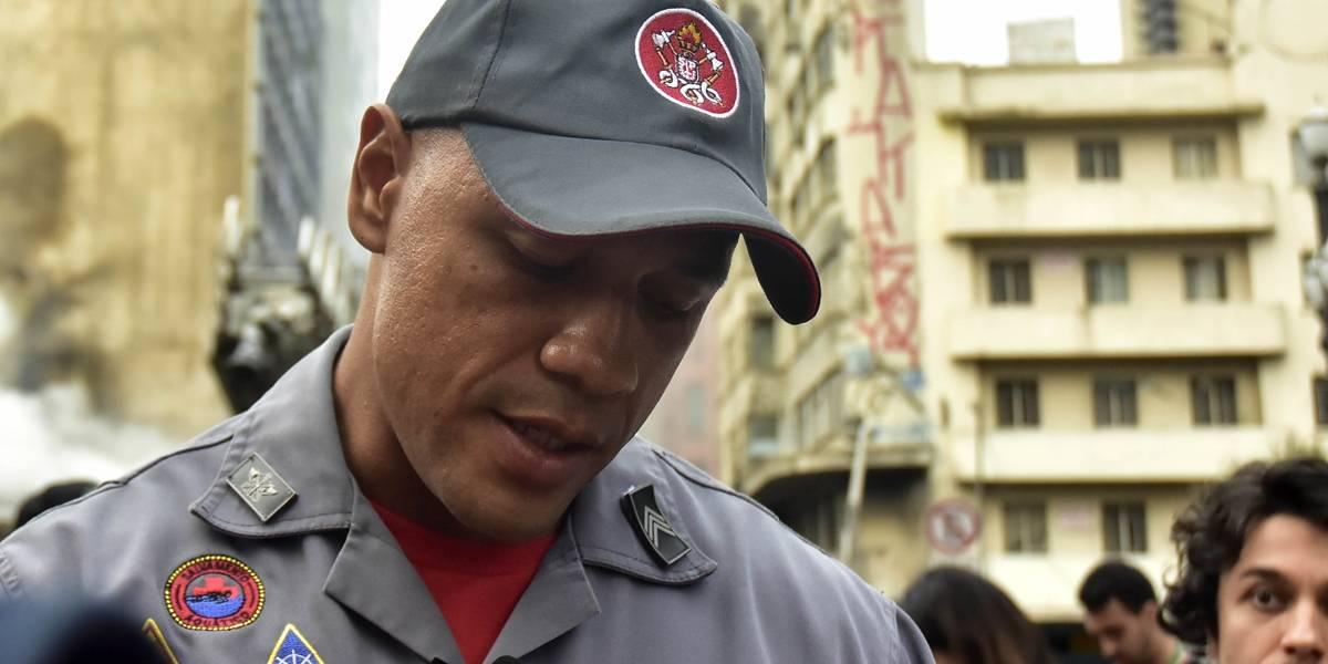 'Ele só me pedia para salvá-lo', diz bombeiro que tentou resgatar morador