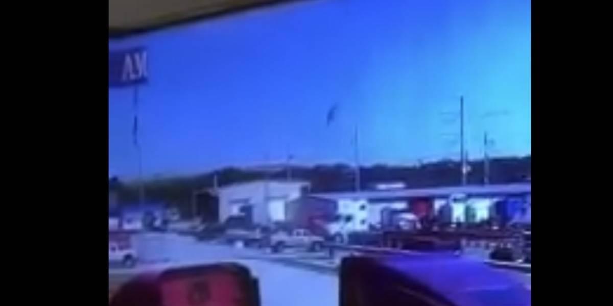 Captan momento en que avión militar con boricuas se estrella
