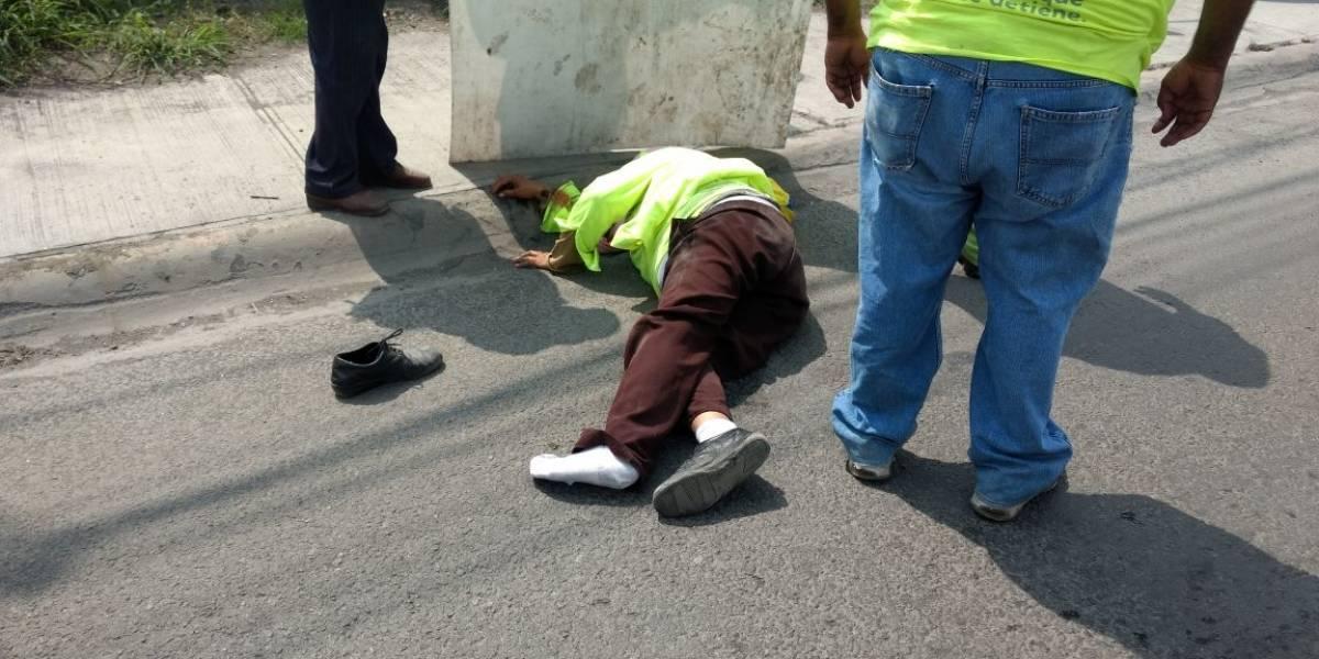 Vehículo de campaña arrolla a mujer en Guadalupe, Nuevo León