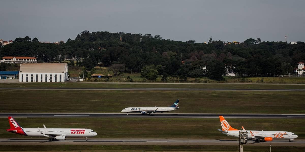 Oito aeroportos do país estão sem combustível nesta manhã