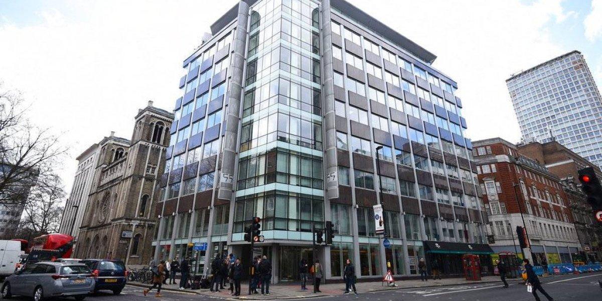 Reino Unido seguirá investigando a Cambridge Analytica pese a la quiebra