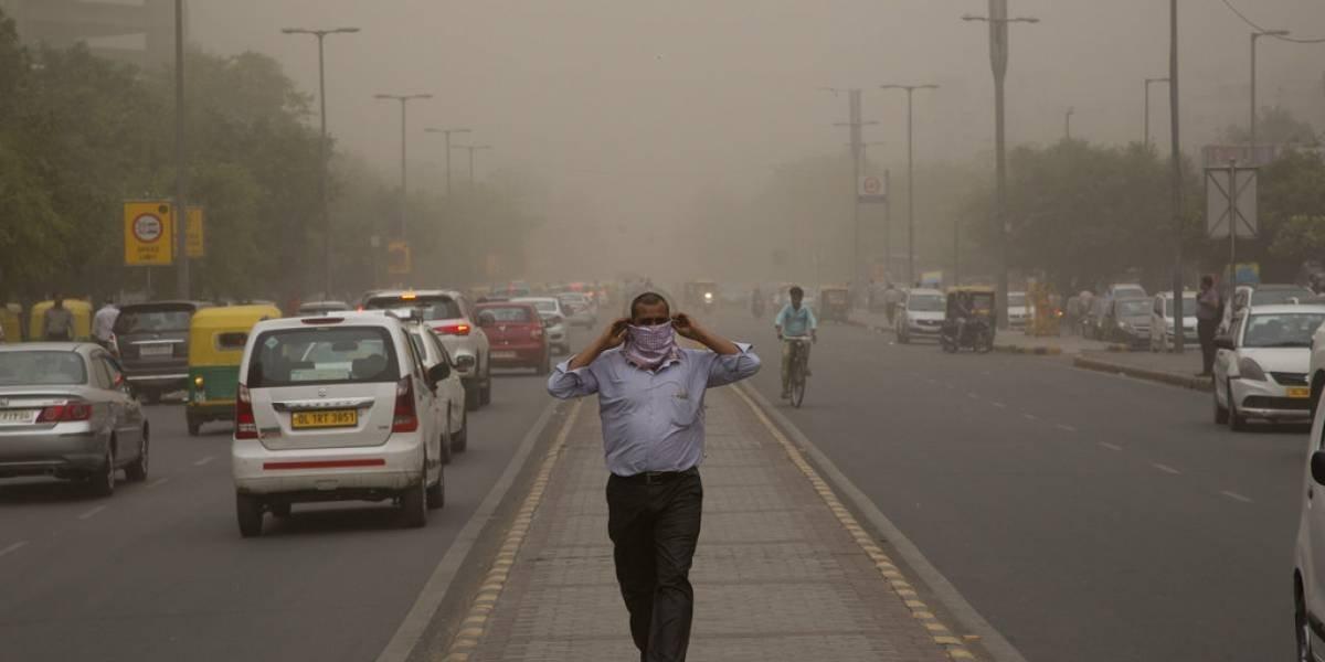 Apocalíptica tormenta de polvo deja más de 90 muertos en India