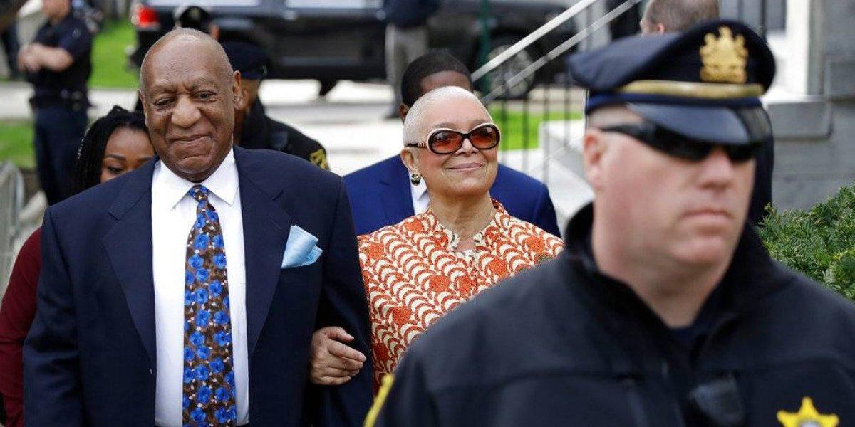 Esposa de Bill Cosby pide investigación contra fiscal del caso